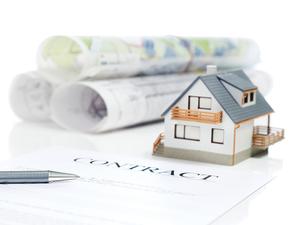 Het huurcontract van de vastgoedmakelaar